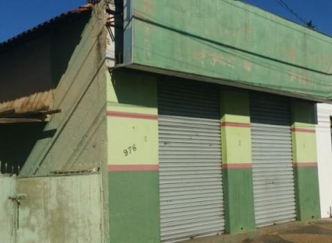 Av. Navarro de Andrade, nº 976 com casa