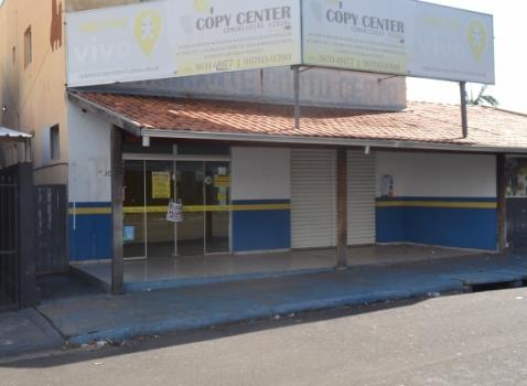 Rua dos Cravos, nº 500 - Salão Comercial